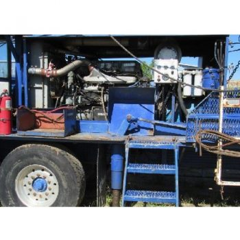1980 Cooper LTO-150 D/D 3810×3808 Well Service Rig, Air Clutches, p/b DETROIT Series 60 12.7L Eng (17,135 hours), ALLISON Trans, Integrated HPU w/THERMA SURGE Cooling System, RUCOR Hud winch, PEMCO 96-180-C 103'H 205,000# SHL w/6 lines, s/n-807, w/5/8″ Guylines, 5-Sheave Crown Block, Adj Work Platform, McKISSICK 3-Sheave 75-ton block, Tubing & rod boards, deadline anchor BRADEN utility winch (more Description available)