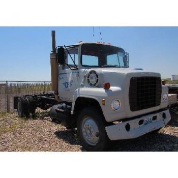 1977 FORD 3000 DRW SIA Haul Truck, VIN-R80DVY46816, 186'W B p/b CAT 3208 Eng (1162 hours), 5-Spd Auto Trans, Gooseneck,  Ball Hitch, 11R22.5 Front & 10.00-20 Rear Tires 28,872 Miles